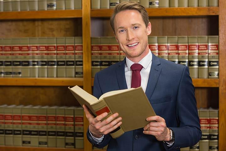 Advocaat Zoer uit Wanneperveen