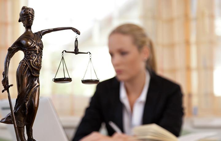wat doet een advocaat